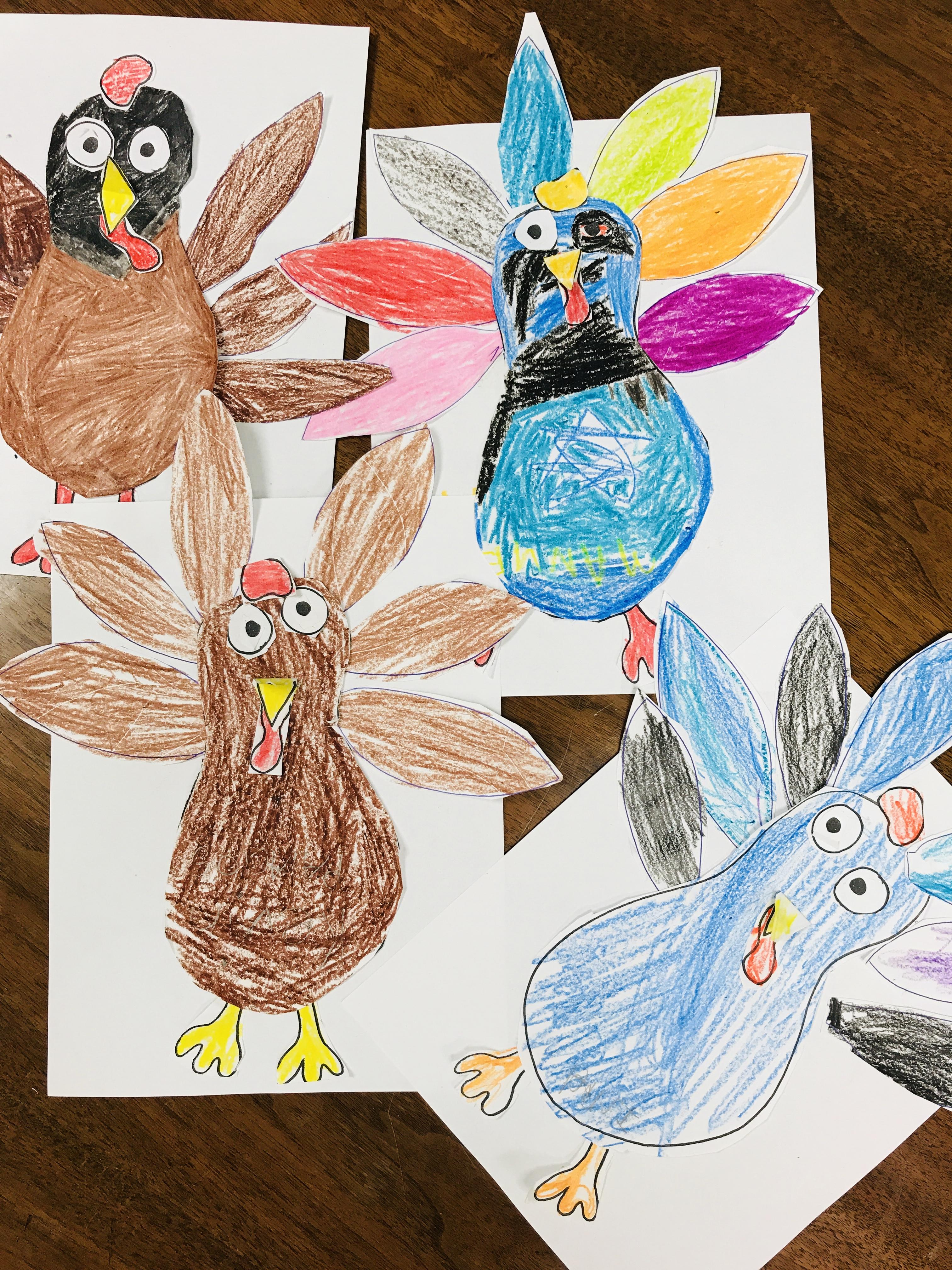 Colorful complete paper turkeys