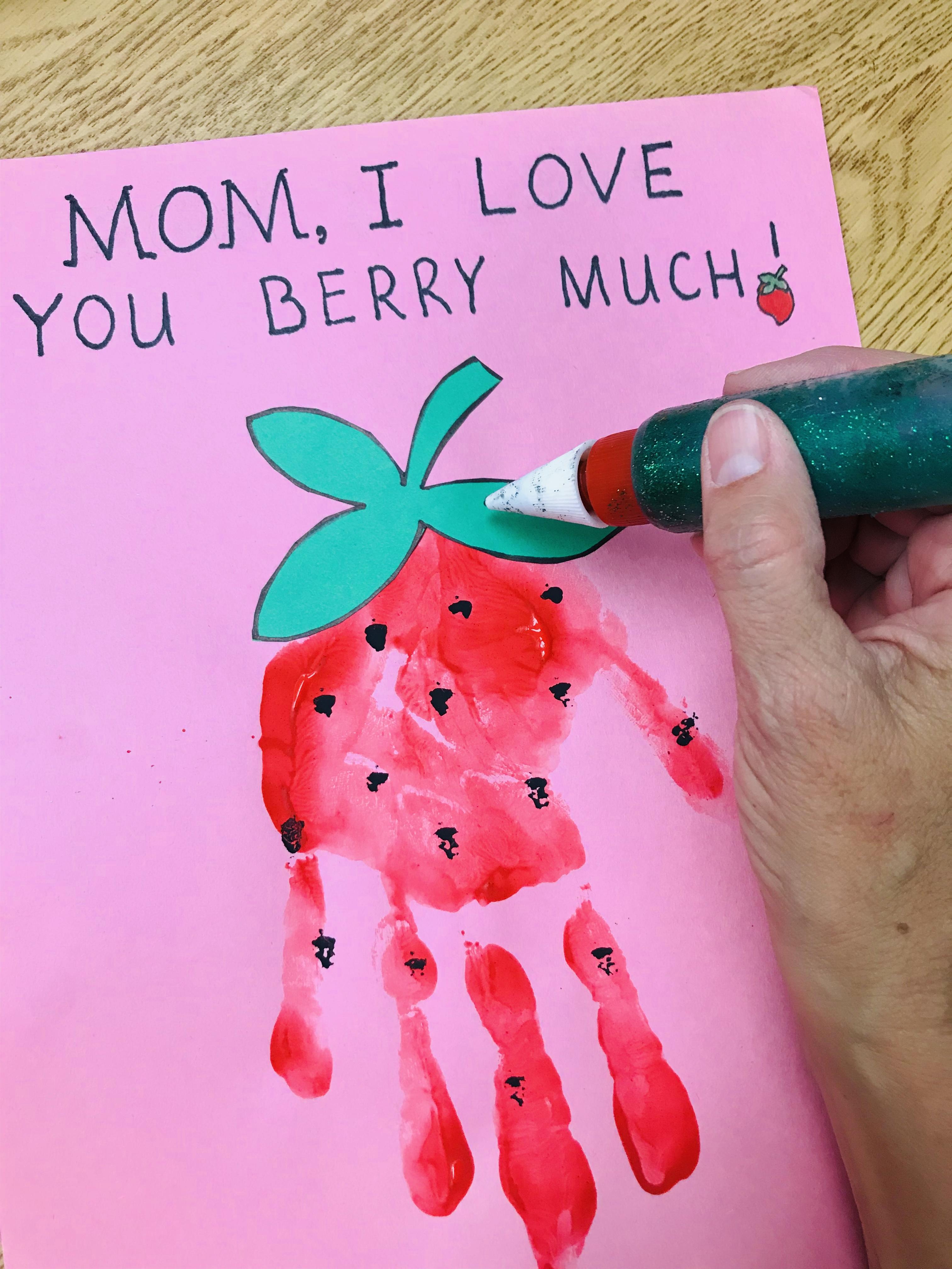 Glitter applicator to strawberry stem