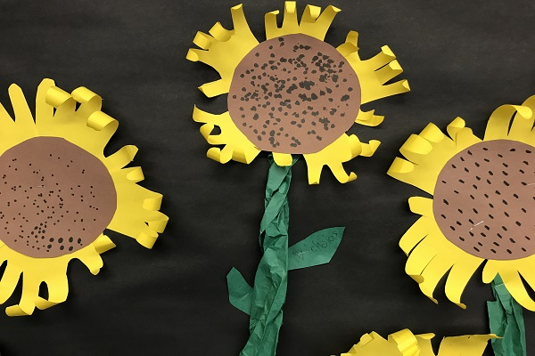 Handprint Paper Sunflowers thumbnail